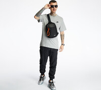 Vezi produsul Nike Sportswear Club Tee Dk Grey Heather/ Black in magazinul footshop.ro