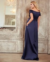 Vezi produsul Rochie Aria Gown in magazinul mamaboutique.ro